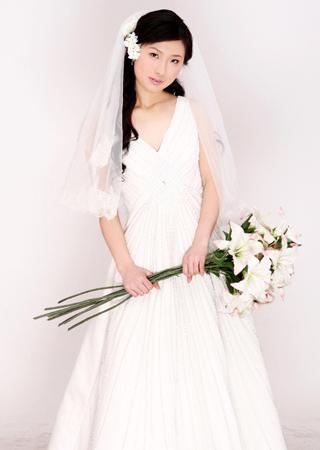短发新娘结婚当天发型_新娘结婚当天的发型