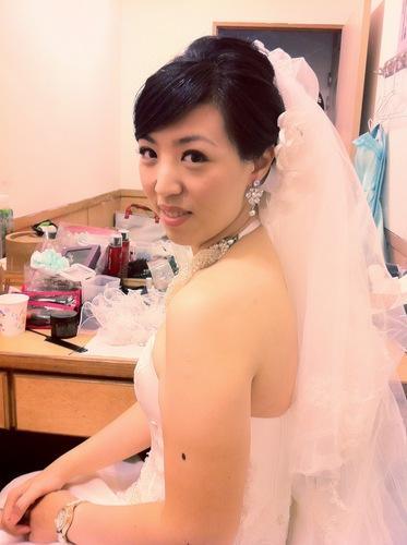 新娘妆图片:化妆前后对比照片